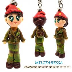 """Collana con Bambolina """"Militaressa"""" Kawaii fatta a mano - Militare in Fimo"""